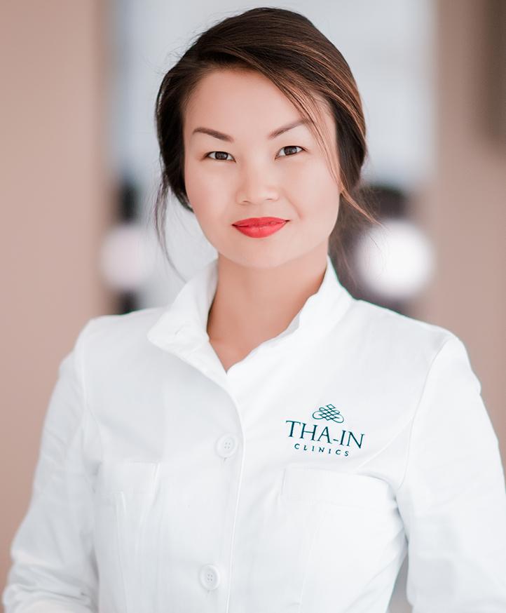 Dokter Thanya Tha-In voert haar behandelingen uit bij zowel de privékliniek in Rotterdam als de privékliniek in Den Haag.
